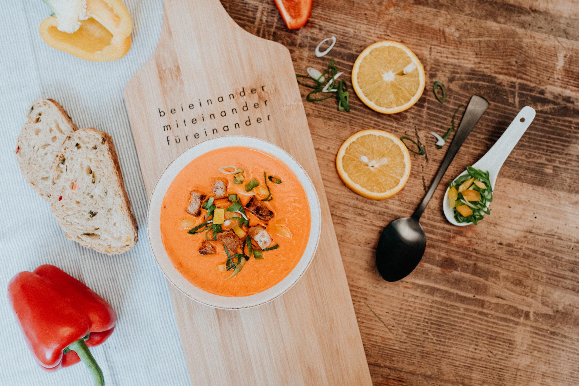 Paprika-Orangensuppe (vegan)