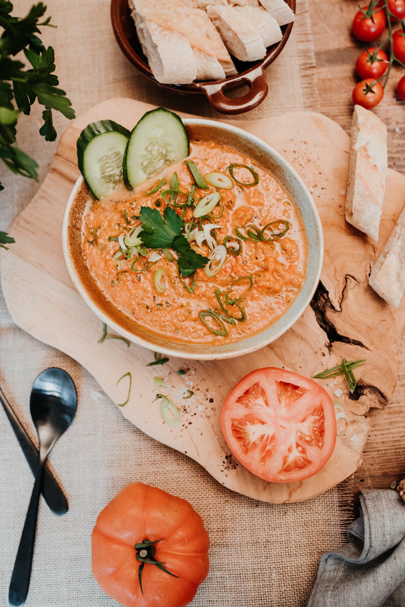 Gazpacho – kalte Suppe mit frischem Gemüse (vegan)